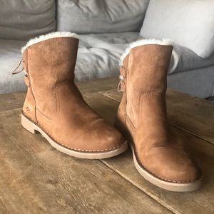 UGG size 7 NIAYAH Winter Boot